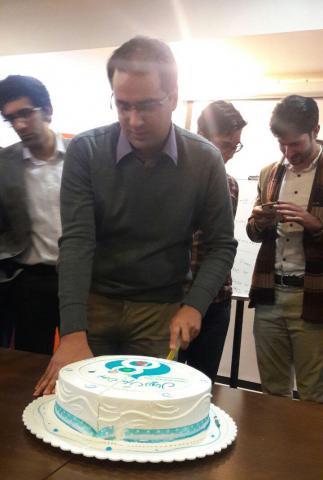 کیک تولد یک سالگی دروپال 8 و مهندس سینا سالک